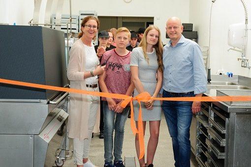 Opening vernieuwde bakkerij Oonk